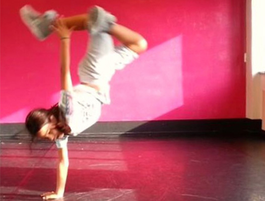 - Breakdance